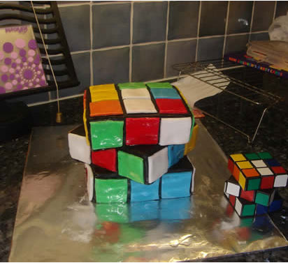 Rubik's Cube cake